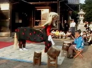 河原の獅子舞(雌)