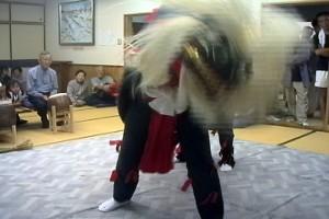 田中家当主・菊夫さんが河原の獅子舞を伝承・宰領してきたという