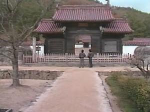 日本最古の庶民教育の場・閑谷学校にも訪れ、備前焼の瓦に驚嘆